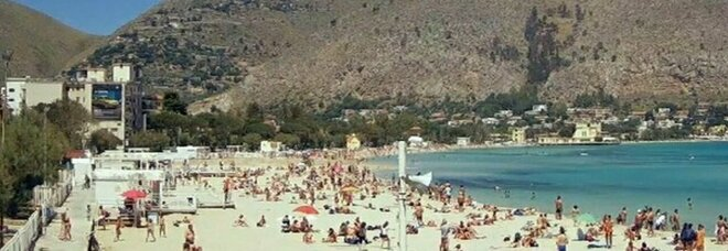 Crescono morti e ricoveri. Da lunedì Sicilia in giallo, Sardegna sotto esame