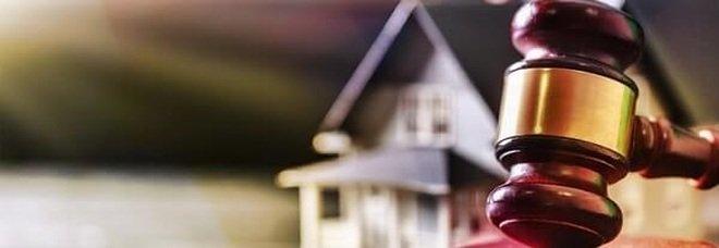 «Le case messe all'asta nelle mani dei camorristi»