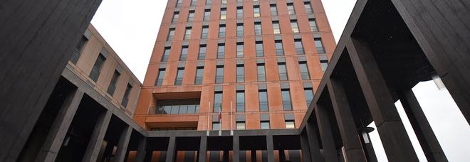 Ruba il portafogli a una cancelliera della cittadella giudiziaria: arrestato