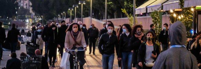 La Lombardia vuole il coprifuoco: vietare spostamenti dalle 23 alle 5