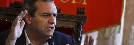 De Magistris: «Camorristi, Napoli non vi vuole più. Fujtevenne»