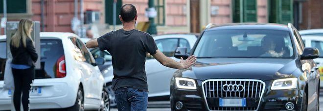 Parcheggiatori abusivi : adesso i vigili possono arrestarli