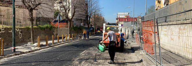 Napoli Est, si riasfalta via De Meis chiusa per la voragine: ultimi lavori