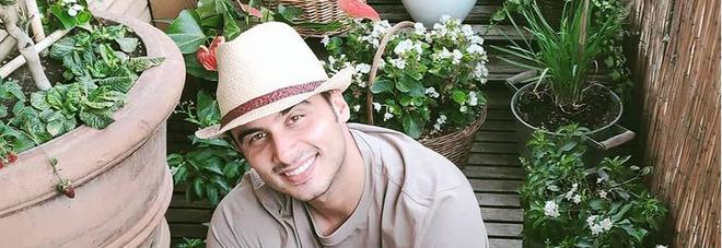 Gf Vip, Nicola Pisu Mirigliani entra nella casa: «Mia madre mi ha salvato dalla droga»