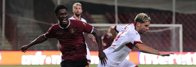 Salernitana, problema muscolare per Gondo: in dubbio per Lecce