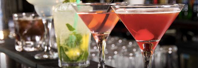 Cocktail, le nuove tendenze: non più olive, ma insetti e uova