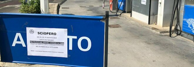 Lockdown, stop dei benzinai: «Dal 30 novembre saremo chiusi in tutte le autostrade»