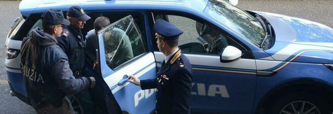 Truffa dello specchietto in via Manzoni a Napoli: arriva la polizia e lo arresta