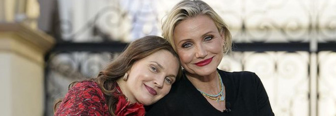 Cameron Diaz e Drew Barrymore, la foto senza filtri fa il pieno di like: «È bello invecchiare con eleganza»