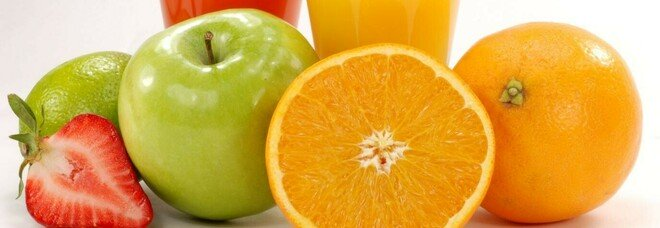 Curcuma, cavoli e arance, niente alcol e caffeina: i consigli degli esperti per una dieta invernale anti-endometriosi