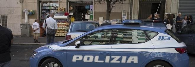 Parioli, licenziata tenta il suicidio: salvata dagli agenti