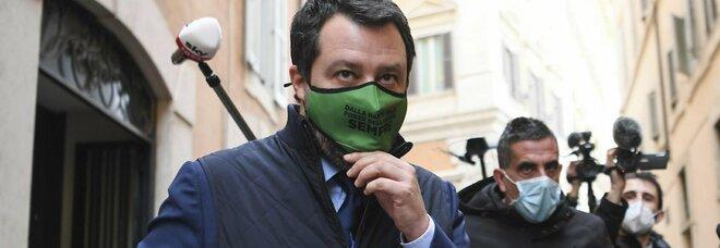 Crisi di governo, caso Rossi. Salvini a Berlusconi: «Che succede in Forza Italia?»