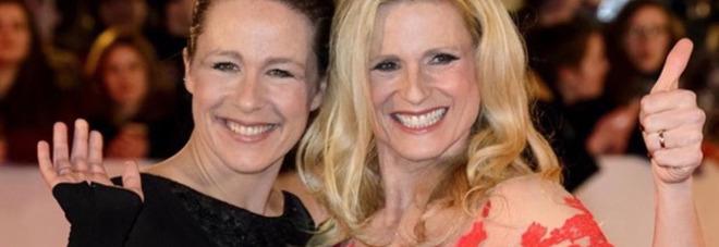 Aurora Ramazzotti, la foto con Michelle Hunziker. Haters choc: «Sei più vecchia di tua madre». La risposta di lei spiazza tutti