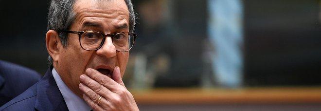 L'Ue taglia le stime del Pil: «Italia fanalino di coda Ue, rischi per le banche»