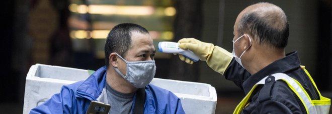Coronavirus, cosa sappiamo oggi e come si trasmette da uomo a uomo