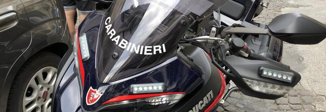 Napoli, guida senza casco e assicurazione: record di sanzioni al rione Sanità
