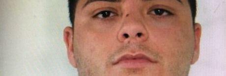 Nascosto nel letto con la suocera: preso latitante accusato di omicidio