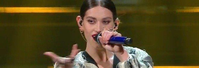 Gaia si esibisce e strega l'Ariston. Ma i fan notano un dettaglio: «Com'è possibile?