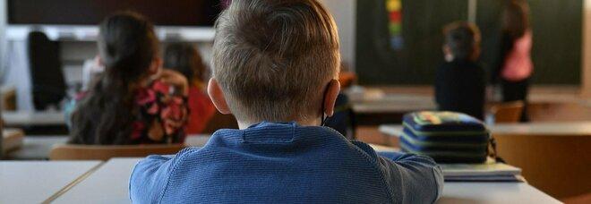 Covid e bambini, ora il virus corre fra i più giovani: quasi un positivo su 5 è un minore