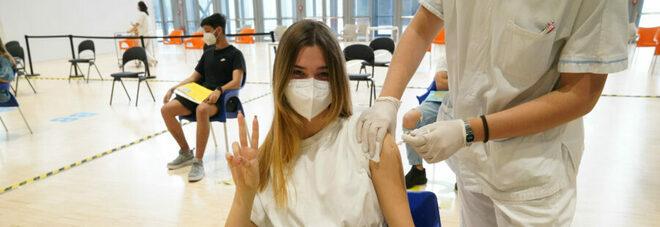 Nuovi vaccinati, crollo del 41% nelle ultime due settimane (ma contagi diminuiti del 15%)