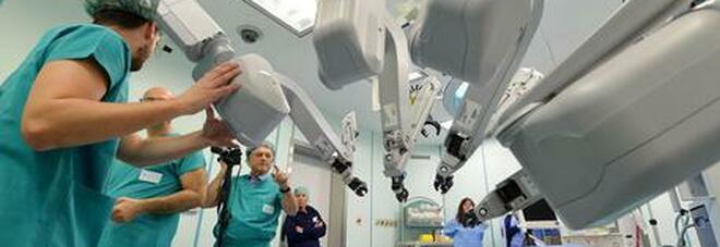 Prostata, chirurgia innovativa a Pisa: tecnica tradizionale combinata a quella robotica