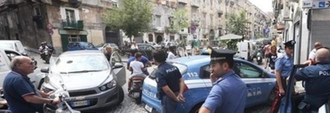 Napoli, blitz al Rione Sanità: sequestrati 40 veicoli privi di Rca e targhe