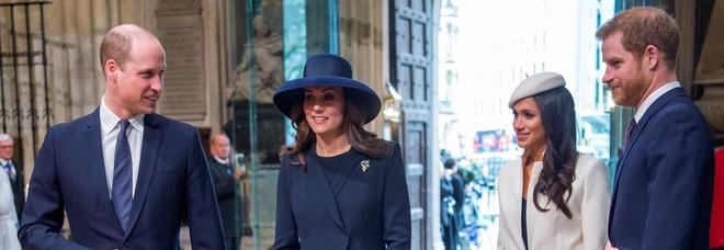 Monarchia social: Harry-Meghan e William-Kate ai ferri corti, ma 'uniti' dal gruppo WhatsApp