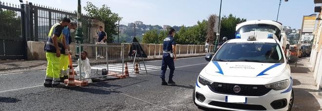 Napoli, grosso guasto alla rete idrica di Chiaia: migliaia di utenze senza acqua