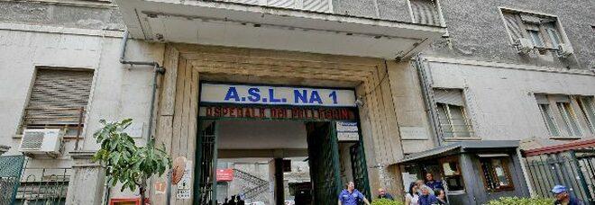 Suicidio a Napoli all'ospedale Pellegrini, paziente di 34 anni si lancia dalla finestra del quarto piano: morta