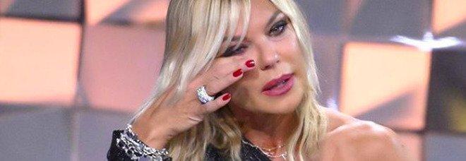 Matilde Brandi a Verissimo dopo il Grande Fratello Vip: «Non gli ho fatto neanche il funerale». Silvia Toffanin si commuove (social Verissimo)