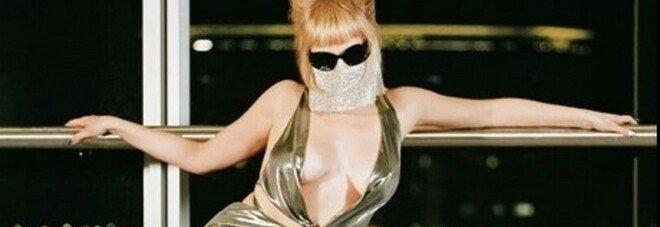 Myss Keta live a Napoli: «Una maschera mi permette di dire la verità»