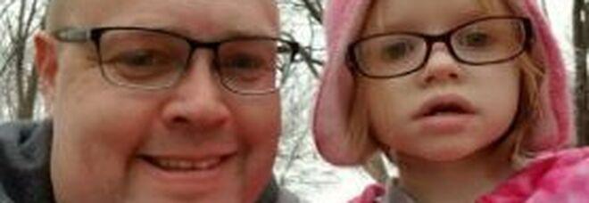 Non riesce a spiegare ai genitori la gravità dei suoi sintomi, bimba autistica di 7 anni muore per una polmonite