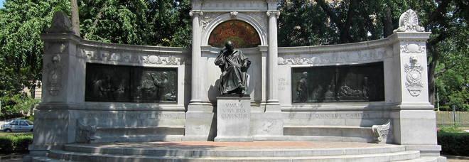 Monumento a Samuel Hahnemann, realizzato su progetto di Julius Harder da Henry Niehaus a Washington, D.C.