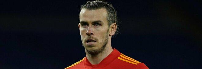 Razzismo, Gareth Bale difende i compagni insultati dopo l'amichevole: «Abbandoniamo i social»