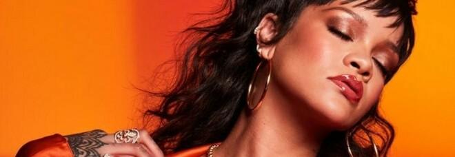 Rihanna è la cantante più ricca al mondo, ma senza musica: miliardaria grazie alla lingerie