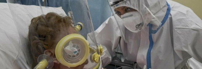 Covid, ospedali napoletani in affanno: tornano piene le terapie sub-intensive