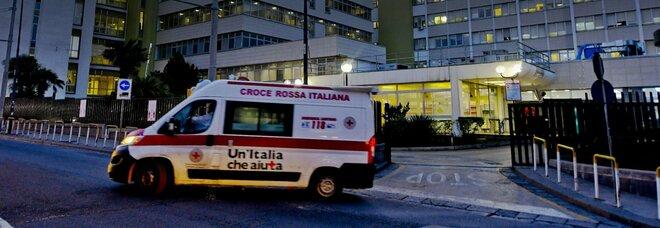 Covid al Cardarelli di Napoli, incubo focolaio: sono 21 i sanitari positivi