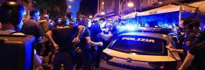 Napoli zona arancione, interrotte tre feste abusive tra Chiaia e Vomero: 39 multe