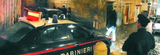 Napoli, «stesa» nel rione Sanità davanti alla casa di un pregiudicato
