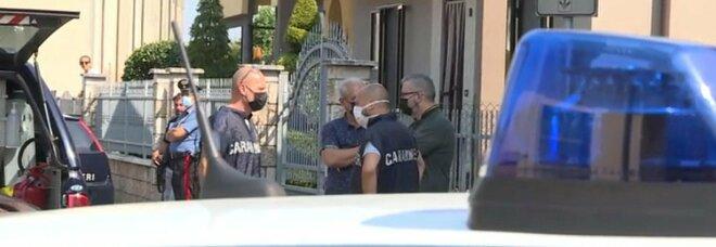 Verona, anziana accoltellata in casa: trovata con due coltelli nella schiena