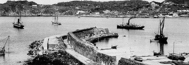 il porto di Forio agli inizi del '900