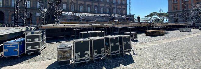 Teatro San Carlo in piazza Plebiscito: via ai lavori per il maxi palcoscenico