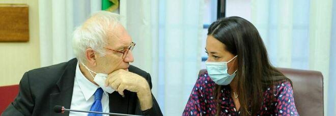 Scuola, i presidi chiedono il vaccino per i prof. Ronzulli consegna al ministro Bianchi il ddl