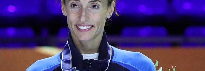 Elisa Di Francisca, tira Giù la maschera: il libro della campionessa olimpica. Un viaggio tra le violenze, l'aborto e l'amore proibito
