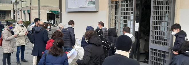 Anagrafe di Avellino, arrivano i carabinieri: un altro giorno di ordinaria follia