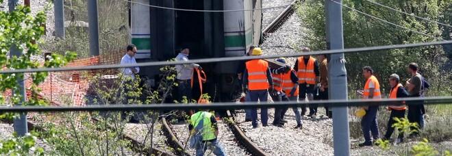 Frana sui binari, stop ai treni sulla linea Napoli-Benevento