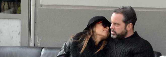 Cecilia capriotti pranzo e baci con il fidanzato a milano for Mobilia caserta