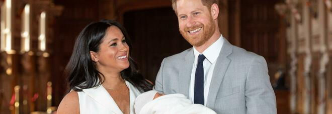 Principe Harry e la prefazione al libro per bimbi orfani: «Quando perdi la mamma ti resta un buco enorme dentro»