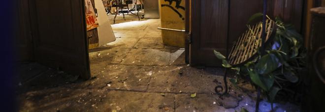 Napoli, pizzaiola denuncia gli estorsori: «La bomba di Sorbillo era per me»