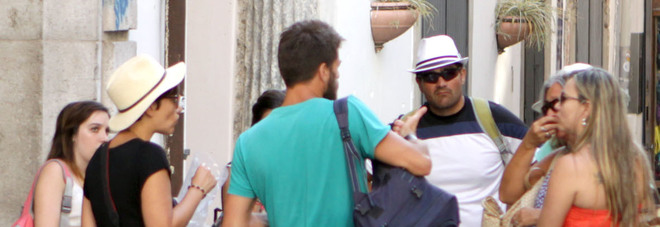 Tassa di soggiorno in Campania scontro sul tesoretto dei turisti ...